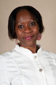 Photo de Valentine Loukombo Senga,membre de la mairie de Floirac