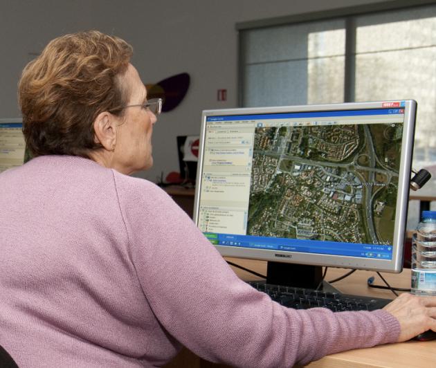 Photo de couverture de Espace Seniors, page du site de la Mairie de Floirac